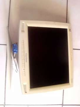 Wiewsonic lcd screen 15inch selling as scrap parts