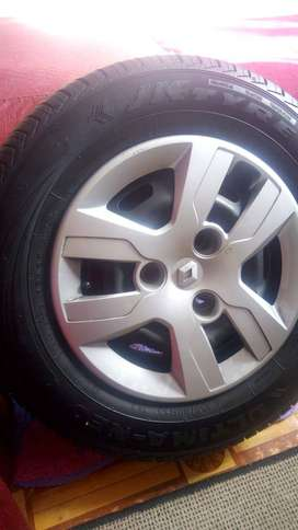 Quid rims and tyres with wheelcaps