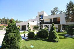 LuxEstate предлагает элитный Загородный коттедж в стиле Hi-tech