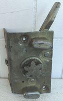 ГАЗ-21. Замок задней правой двери (СССР)