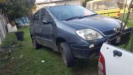 Renault scenic stripping for parts