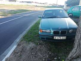 Selling 2 bmw e36 318is and bmw e30 325i