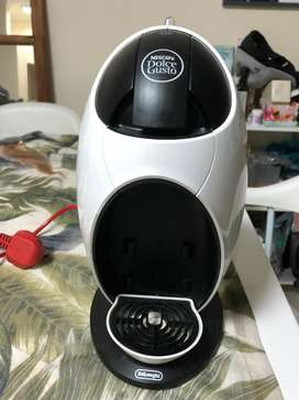 DeLonghi Dolce Gusto Coffee Machine