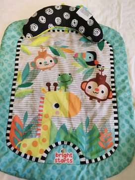 New born to 1 year play mat and neck rest