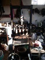 Прес для изготовления топливных брикетов.Прес для виготовлення брикеті