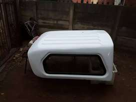 SELLING a OPEL CORSA CANOPY.