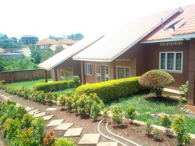 A MAIZING 2 BEDROOMS HOUSE IN NAALYA AT 550 UG SH 0