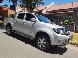 2010 Toyota hilux double cab Automatic