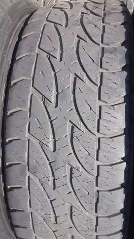 265/65R17 tyres R2600 for a set