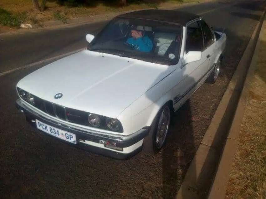 Bmw E30 body with papers. 0
