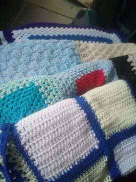 4 Knitted blankets