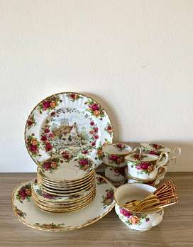 Royal Albert Old Country Roses Collection Tea Set