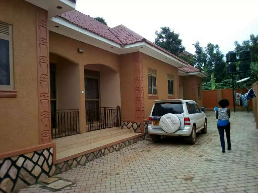 Hot deal on sale BRAND new 4units double rooms in kyaliwajjara at 0