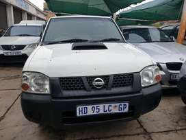 2013 Nissan NP300 2.5 Single Cab , Manual