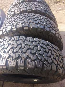 Bf Goodrich ko2 set of tyres sizes 265/70/17 now available