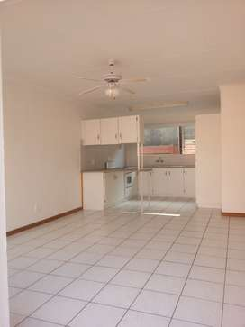 Two bedroom Cottage to rent in Krugersdorp North close to Key West