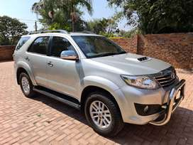 1 owner vehicle full service history by toyota2.5 fortuner