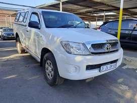 2009 toyota hilux 2.5 d4d srx with a canopy for sale