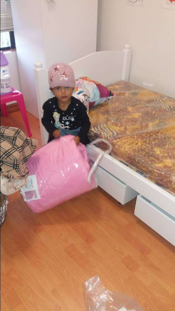 Beautiful White Kid's Bed for sale 0