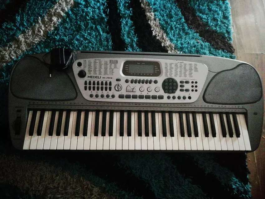 Medeli Electronic Keyboard 0