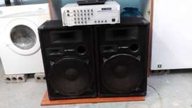 2 x 15inch powerful speaker boxes