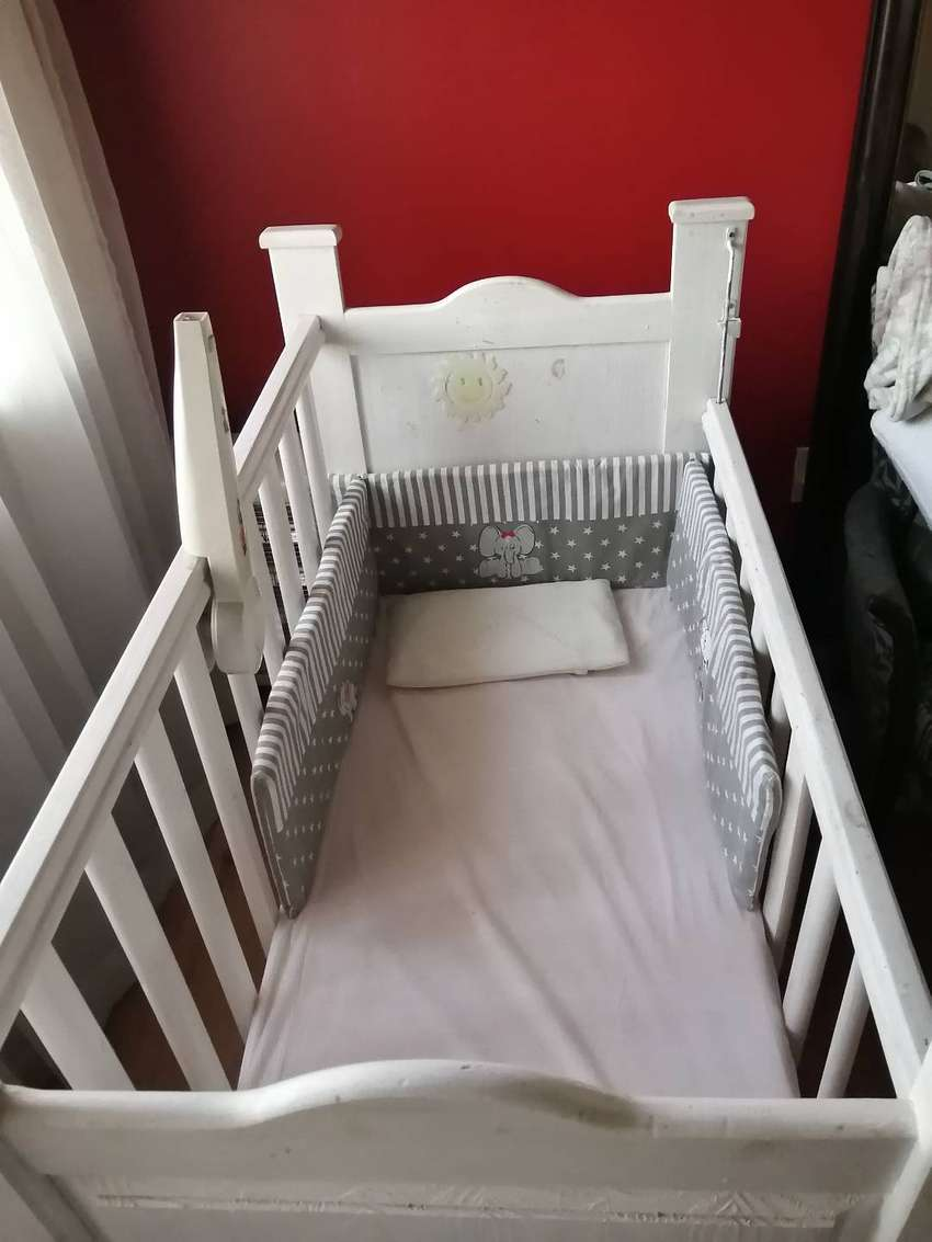 Baby cot bed 0