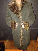płaszcz nietypowy zielony