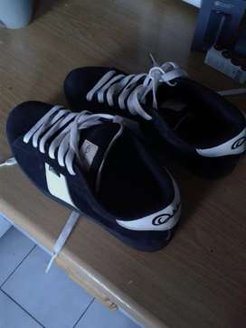 Osiris uk size 10 shoes