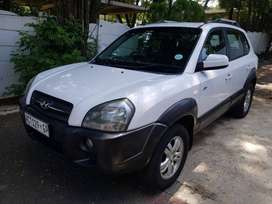 A Beautiful 4X4 Hyundai Tucson 2,7 V6 GLS for sale - Spotless