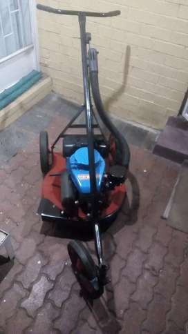 Springkaan Yamaha Mt110 lawn mower for sale