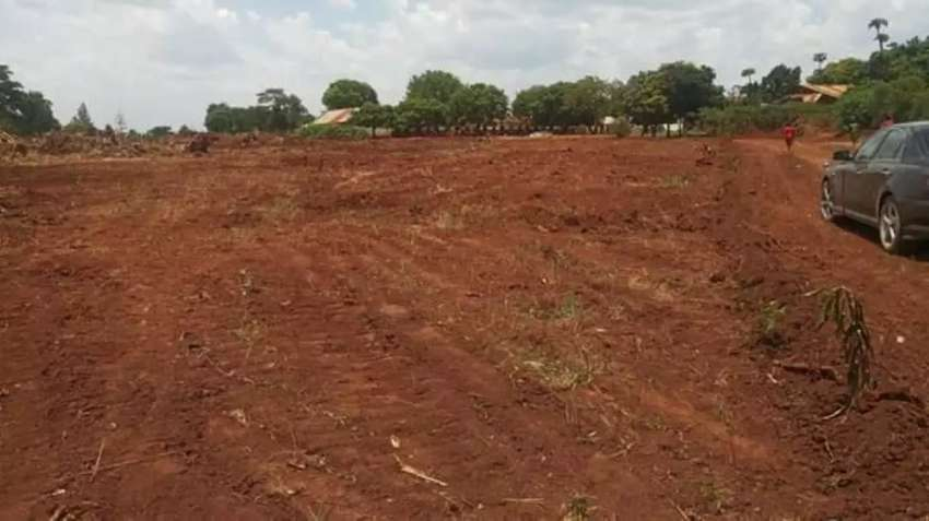 Plots for sale with sizes of 50*100ft in gayaza-busika at 8m 0