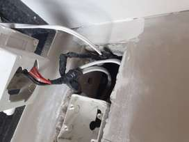 Driver/Basic Electrician Needed