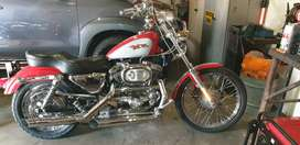 HD 1200 Sportster, Red and Silver