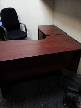 2 piece office desk and chair