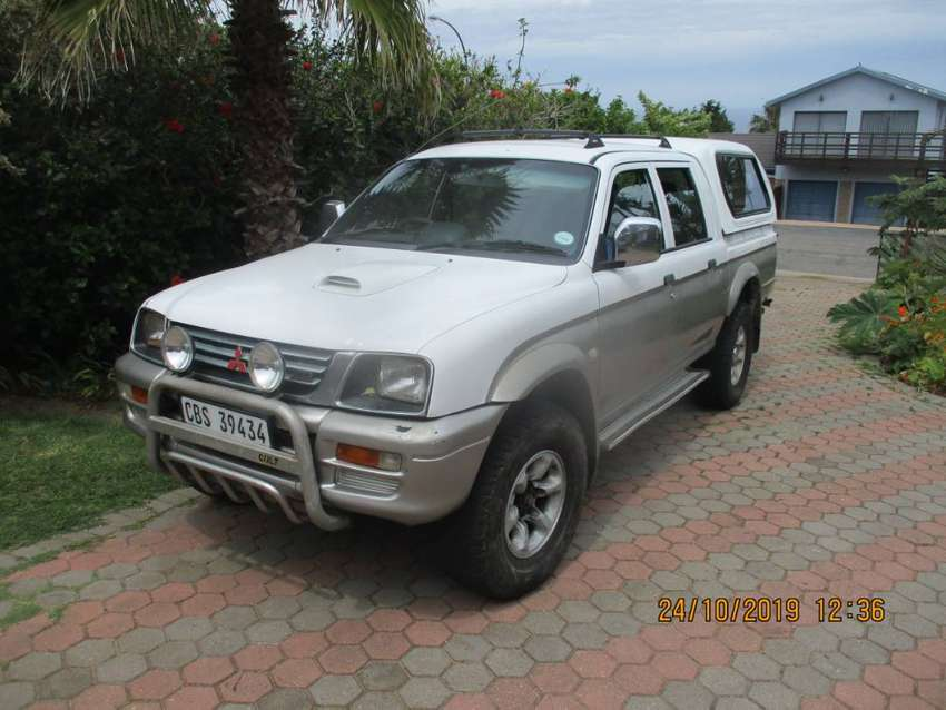 Mitsubishi Colt Rodeo 4X4 for sale. 2000 model. Very good condition. 0