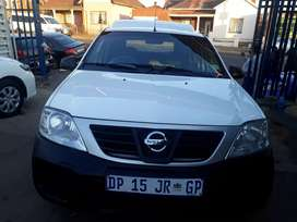 2015 Nissan Np200 (1.6) With Canopy