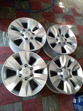 "17"" Toyota hilux mag wheels only"