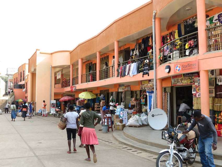 Commercial and businesss shops to let in Kireka along Namugongo Rd 0
