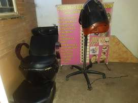 HAIRDRYER, WASHIN BASIN AND GEYSER AND SOME SALOON ITEMS