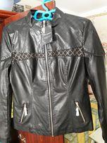 Куртка из кожзама с камушками