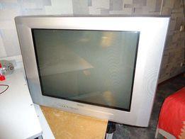 Телевизор PHILIPS в идеальном состоянии