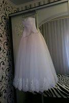 Продам свадебное платье было сшито на меня под заказ