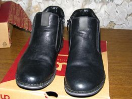 Продам подростковую обувь