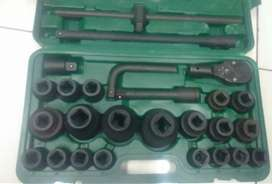 BRAND TRUCK SOCKET SET FOR SALE R2399 NEG