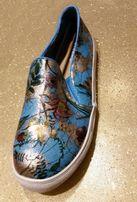 Śliczne buty sneakersy trampki dla dziewczynki roz. 37 z USA NOWE