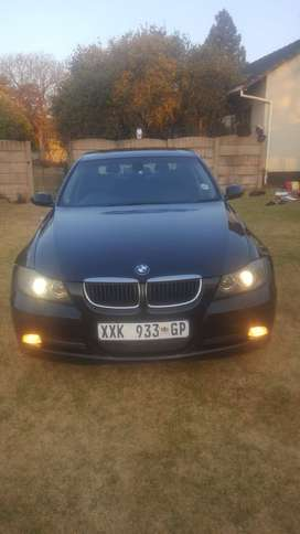 bmw 320i with new recently installed engine. fuel saver.