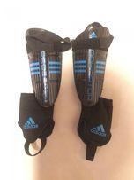 Adidas nagolenniki ochraniacz