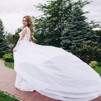 Шикарное свадебное платье белое рыбка + шлейф
