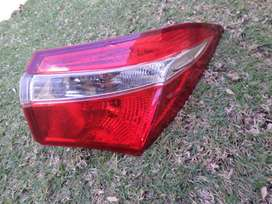 2018 TOYOTA COROLLA PRESTIGE RIGHT OUTER TAIL LIGHT FOR SALE. OEM
