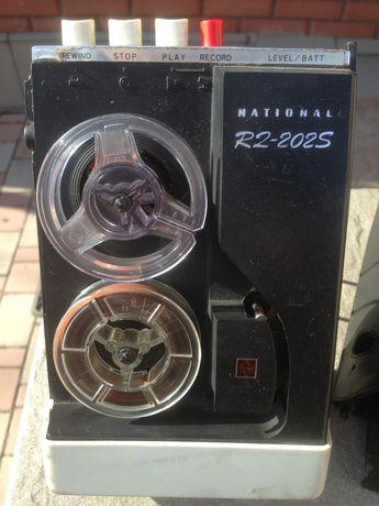 Магнитофон National R2-202s